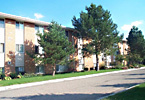 Country Inn West, Apartments, Bloomington, MN, amenities, air conditioning, heat, community laundry, garbage, recycling, landscaped grounds, controlled access entry, pre-wired high-speed internet, phone, cable, Walgreens, Cub Foods, professional management, maintenance