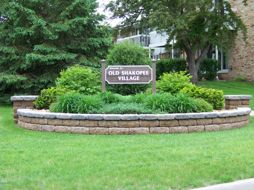 Bloomington, MN, Old Shakopee Village, studios, senior, 2 bedroom apartments, 1 bedroom apartment, community laundry room, heat, air conditioning, elevator, pool, maintenance